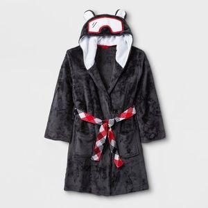 Cozy Polar Bear Robe (8/10)